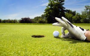 green-hands-day-fields-golf-golf-balls-1680x1050-wallpaper-524151
